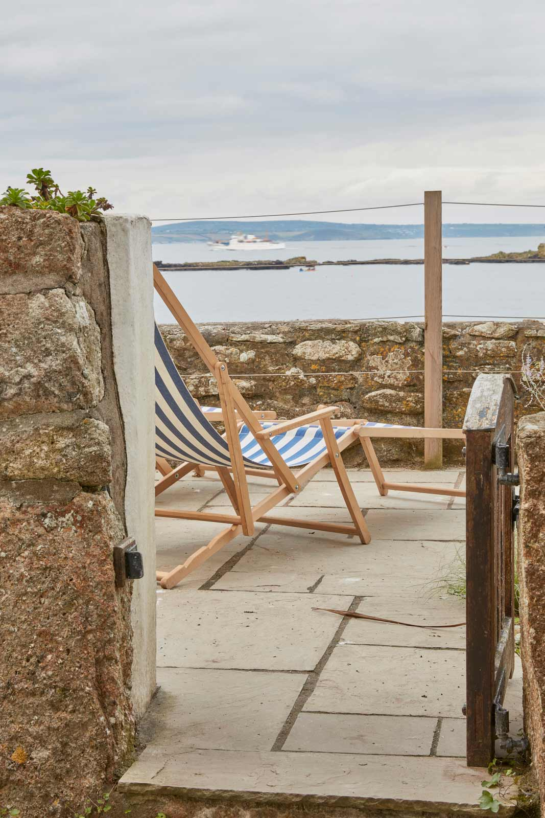 relaxing at the luxury holiday cottage in mousehole cornwall