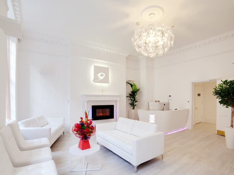 Lifestyle & Temporary Treatment - PHI Clinic London waiting room 6